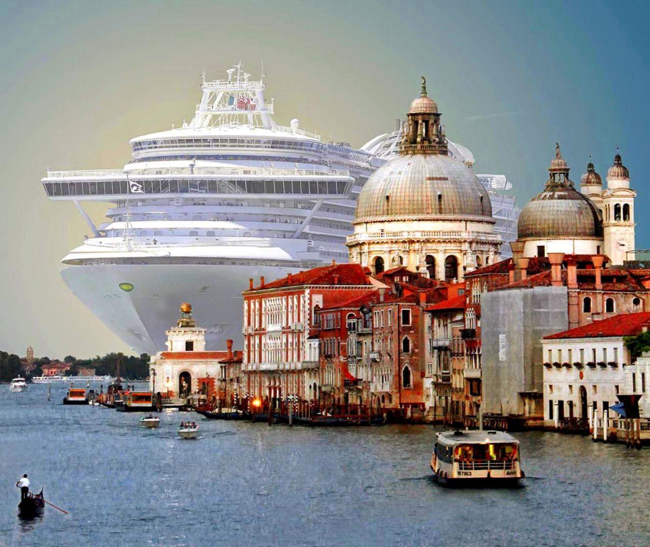 World's largest cruise ship entering Venice